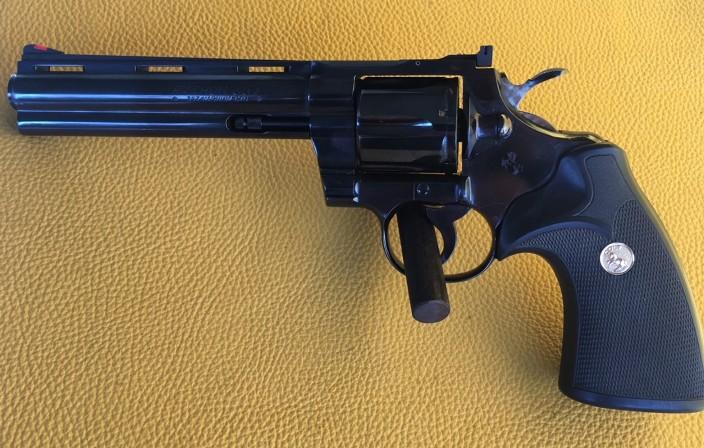 Colt Python 357 mag 6